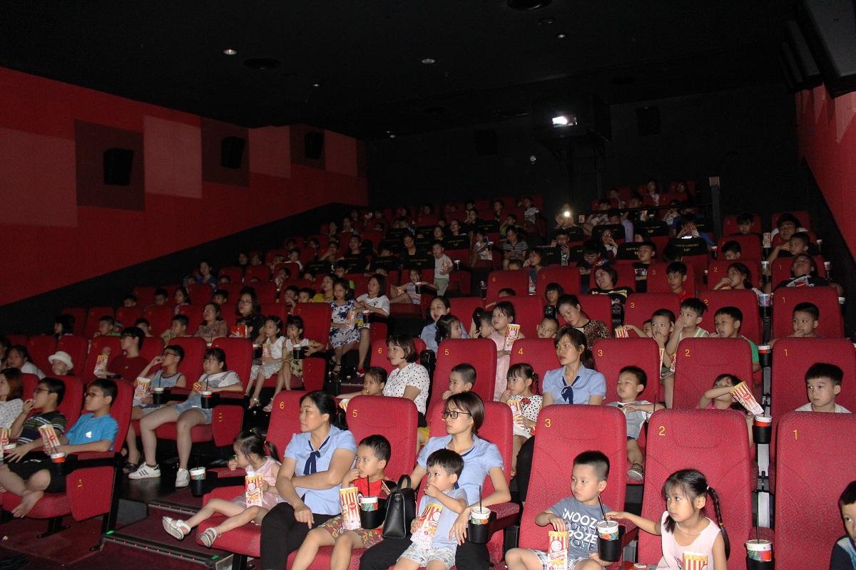 120 trẻ em tham gia chương trình Chiếu phim truyền cảm hứng nhân ngày Quốc tế thiếu nhi 1/6