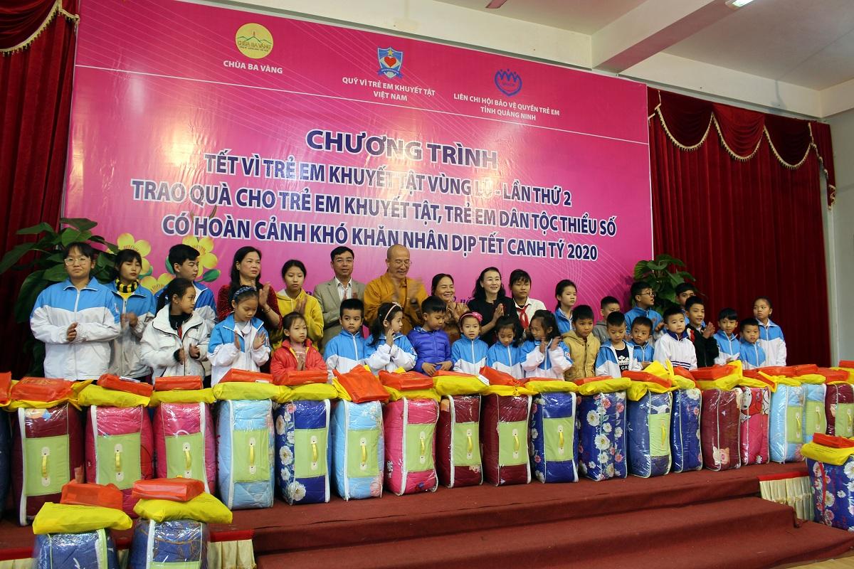 Hơn 400 phần quà đến với trẻ em có hoàn cảnh khó khăn trên địa bàn tỉnh Quảng Ninh nhân dịp Tết Canh Tý 2020;